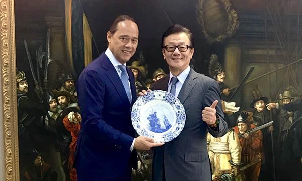 Chairman Sun and True Partner Capital CEO Ralph van Put