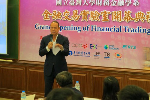 Ralph van Put at the trading lab in Taiwan